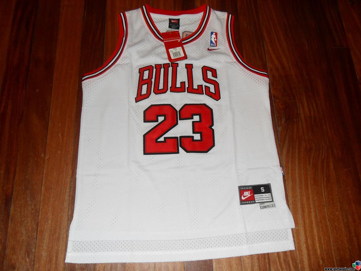 Camiseta Chicago Bulls Michael Jordan Talla S, 3 modelos blanca y negra y roja