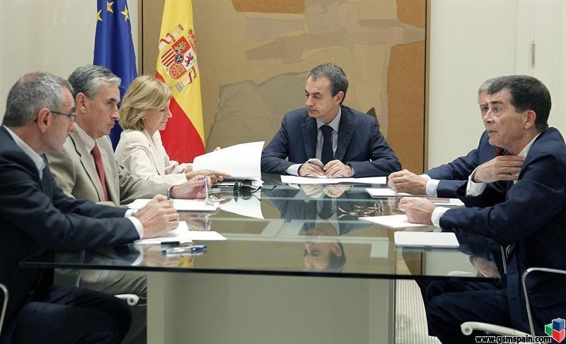 La prima de riesgo supera los 400 y ZP se va a Doñana de vacaciones, menos mal.