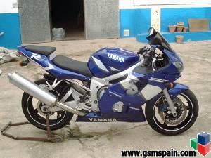 Duda mi 1� moto grande YAMAHA YFZ R6 vs SUZUKI GSXR 600